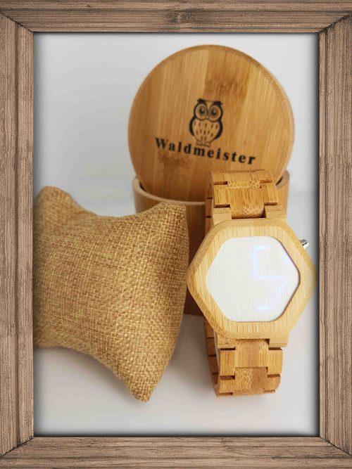 Bambus Uhr mit digitaler LED Anzeige